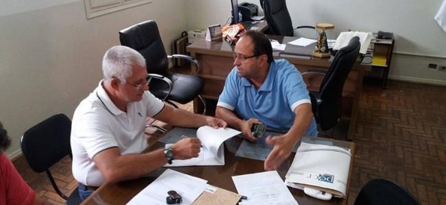 Reunião entre prefeito e provedor do HSS. Foto: Arquivo.