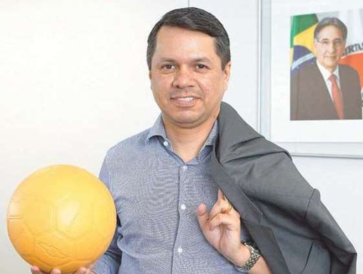 Deputado Estadual Carlos Henrique.