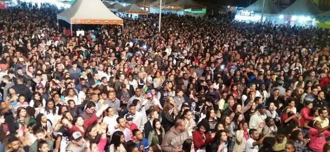 Público da sexta-feira da Exposição.