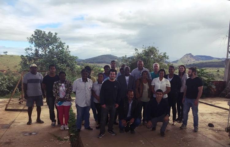 Coordenadores e professores do IFET com a futura equipe da UTC.