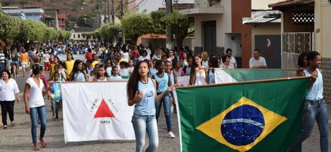 Desfile da Independência em Recreio.