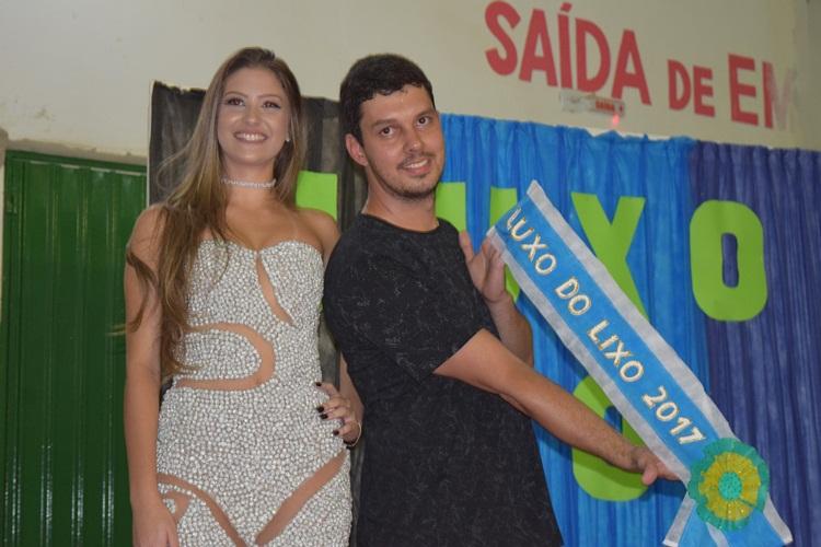 Diretor Ruan Ferreira e a 1ª colocada.