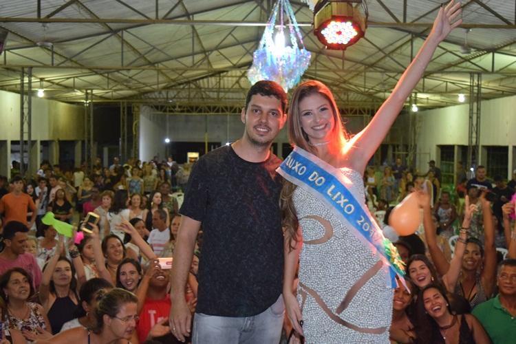 Diretor Ruan Ferreira e a Carol Gouvêa.