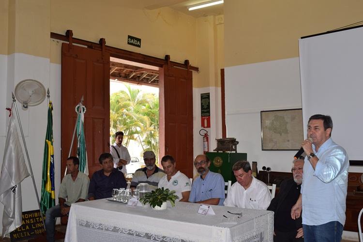 Deputado Isauro Calais em apoio ao projeto.