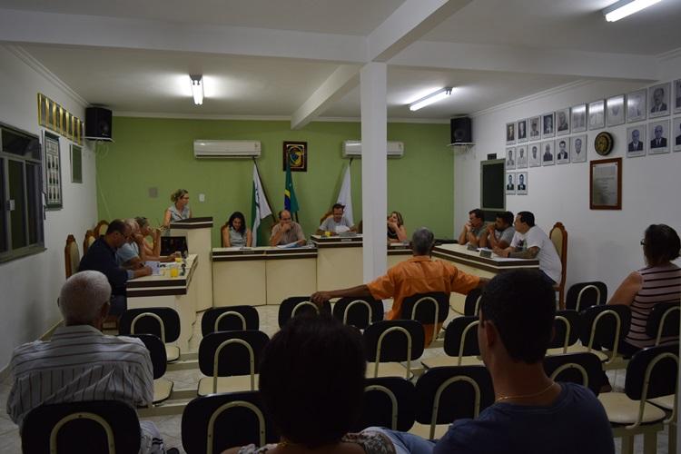 Sessão de leitura do relatório.