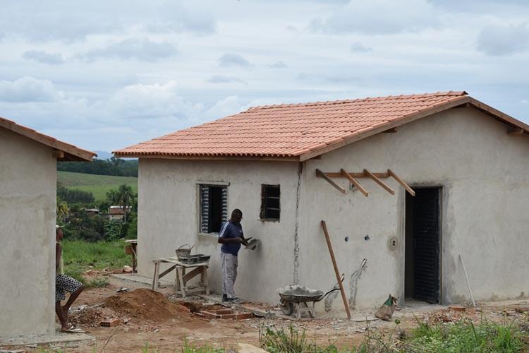 Casa em fase de acabamento.