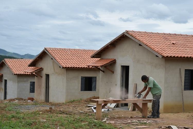 Construção do Conjunto Habitacional.